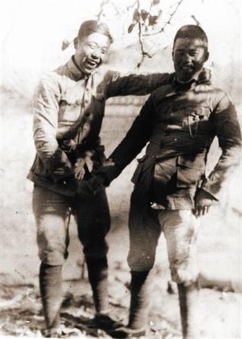 1938年,王近山(右)与陈锡联在晋东南合影