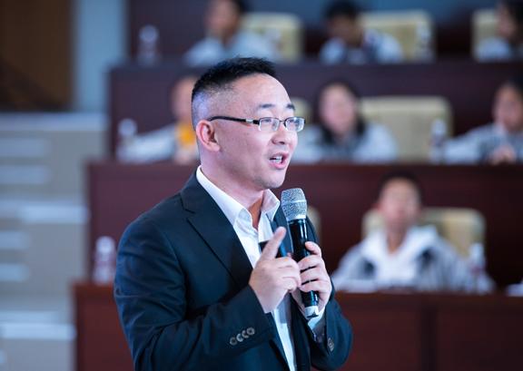 睿悦信息CEO兼首席技术战略官赖小松.png